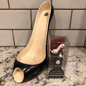 Wine bottle stand and wine stopper